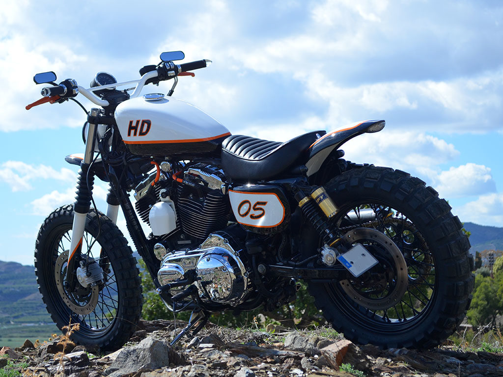 Sportracker, a scrambler by Lord Drake Kustoms