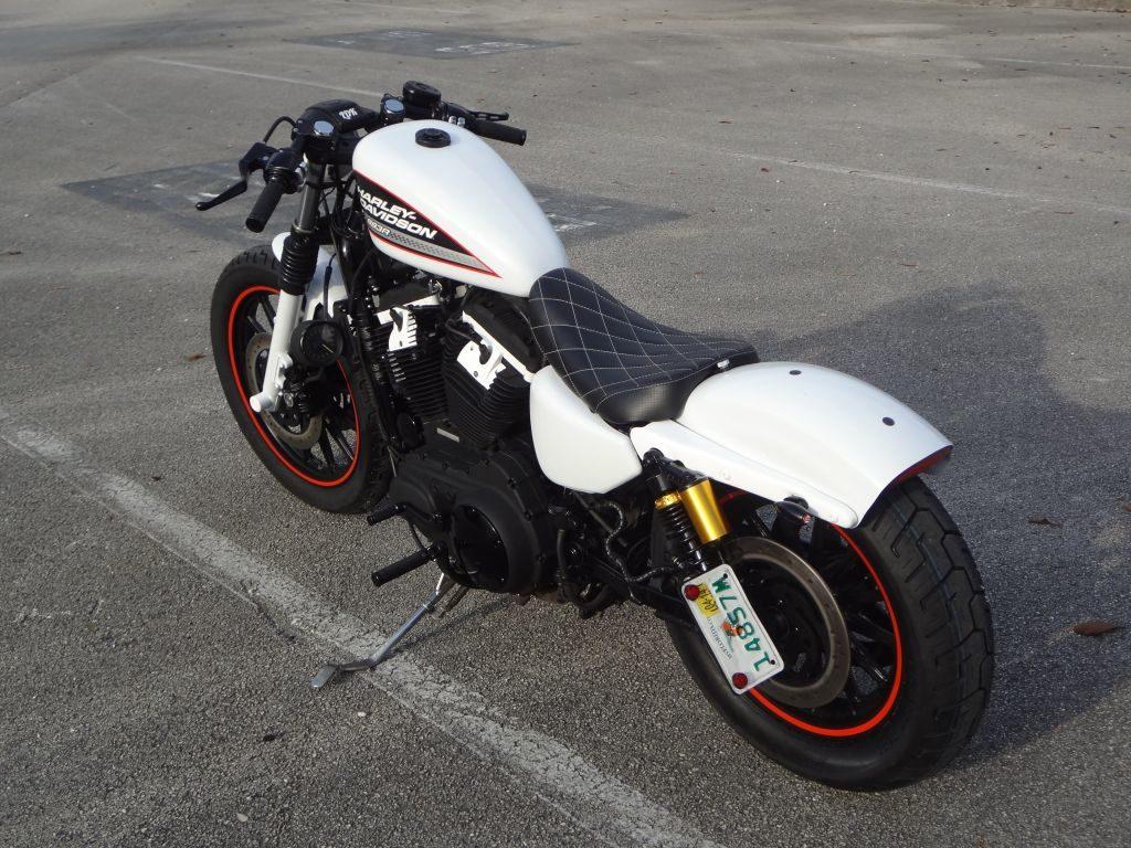 Harley Davidson 883 Cafe Racer