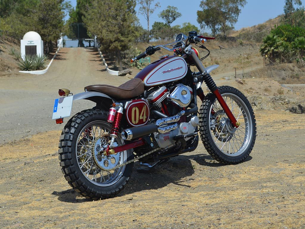 Right view of Bultracker 04 Siebla, a scrambler by Lord Drake Kustoms